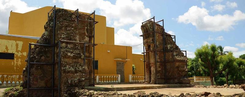 Ruinas de la antigua parroquia San Francisco monumento nacional histórico