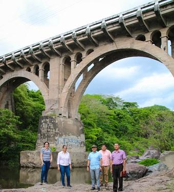 Puente del Río Grande