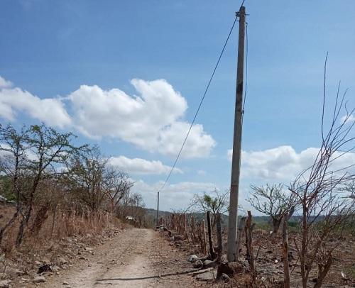 En la comunidad La Ceibita en Tipitapa, 126 familias mejorarán sus condiciones con el servicio de energía eléctrica recién instalado en sus hogares.