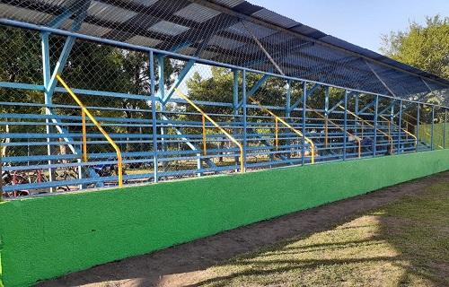 Estadio municipal Luis Arlen Mena