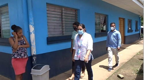 La presidenta del Inifom sale de la casa materna Blanca Arauz
