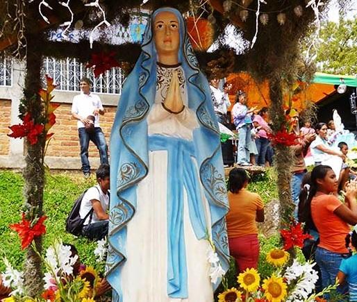 Virgen de Lourdes patrona del Tuma La Dalia