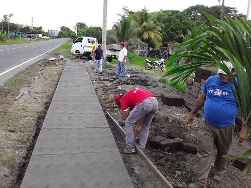Construcción de 117 metros lineales de andenes en  Villa Sandino.