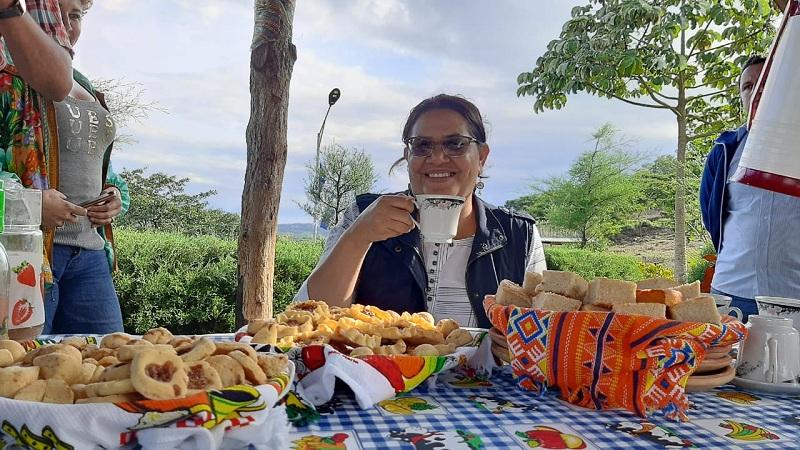 En el parque natural, haciendo honor a la excelencia del café y las rosquillas de San Rafael del Norte