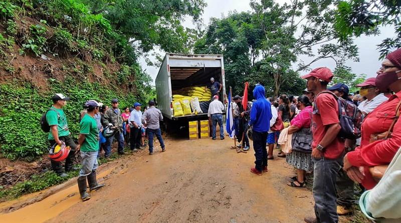 Alcaldía de San Juan del Río Coco como miembro del Sistema de Producción, Consumo y Comercio entrega paquetes tecnológicos de fertilizantes a caficultores de comunidades productivas en coordinación con la Comisión Nacional de Transformación y Desarrollo  de la Caficultura (Conatradec)
