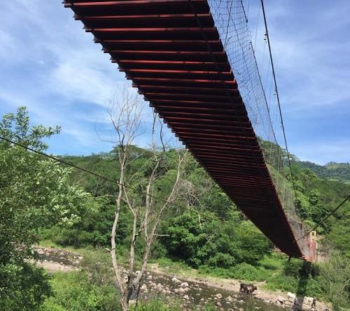 Rehabilitación y mejoras en puente colgante en la comunidad El Tamarindo en Telpaneca