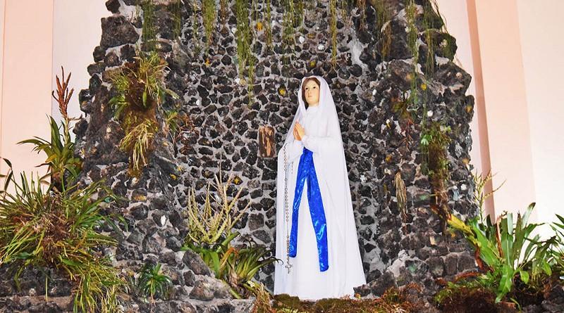 La virgen nuestra Señora de Lourdes es la patrona local