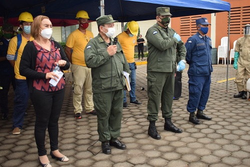 La alcaldesa Julai Mena con autoridades dekl Ejército de Nicaragua