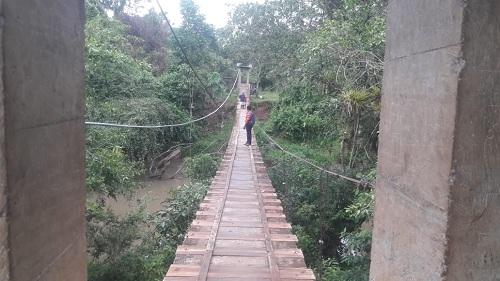 El Castillo: Comunidad Mauricio Gutiérrez con puente colgante casi finalizado.