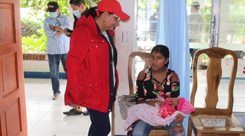 En la Casa Materna encontró a 21 mujeres embarazadas, procedentes de áreas rurales, en los meses de septiembre a diciembres se atienden a más de cincuenta con esa calidez y cariño que se da en ese centro extraordinariamente equipado para comodidad de esas compañeras.