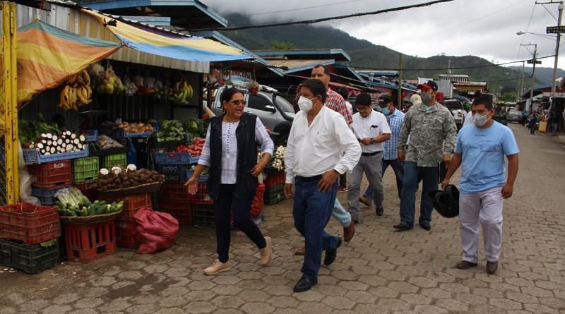 Mercado Rigoberto López: Con 300 módulos para igual número de protagonistas, recibe mantenimiento permanente, principalmente en drenajes pluviales y sanitarios.