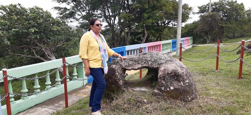 La presidenta ejecutiva del Inifom inició la visita en el sitio turístico El Arco Mirador en la entrada del municipio.