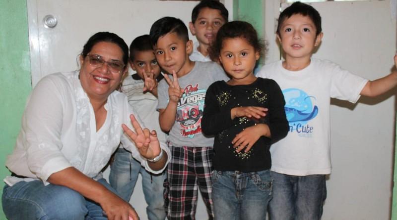 Presidenta del Inifom con gobierno local de Dipilto, pueblo de pinaresy del Santuario de La Virgen de La Piedra.