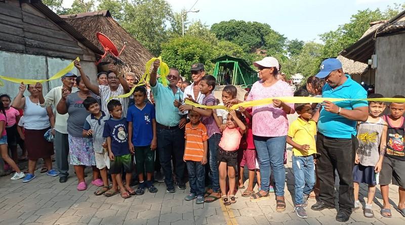 Las familias del sector #3 de Puerto Morazán inauguran mejoras en una de sus calles