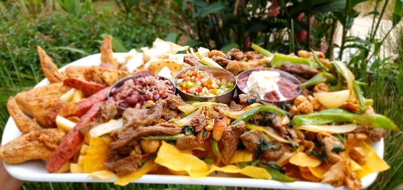 Un  surtido nicaraguense del restaurante hoel