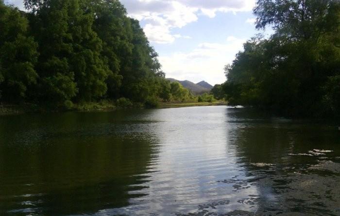 La poza Bruja de la Muta, es una pequeña laguna natural situada en la comunidad La Muta, en el límite Yalagüina - Totogalpa. Está rodeada de pequeños cañones de piedra; encierra muchos mitos y leyendas.
