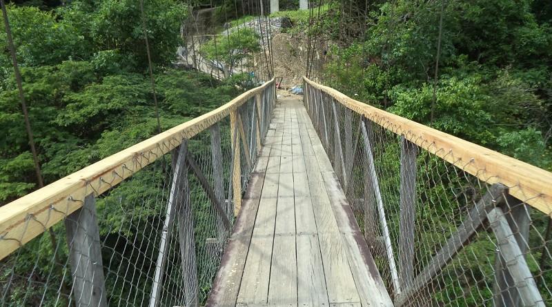 Un puente colgante fue mejorado en la comunidad San Antonio en Mozonte