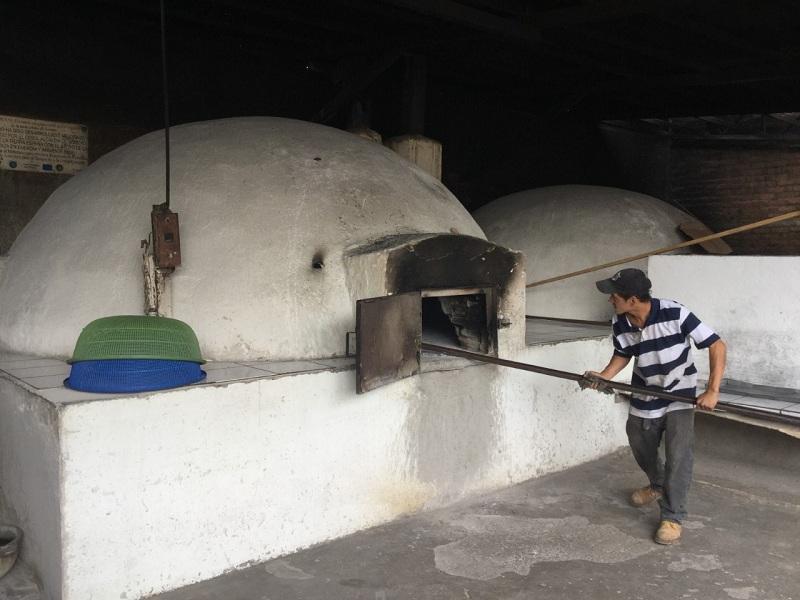 Horno tradicional  para hornear las rosquillas