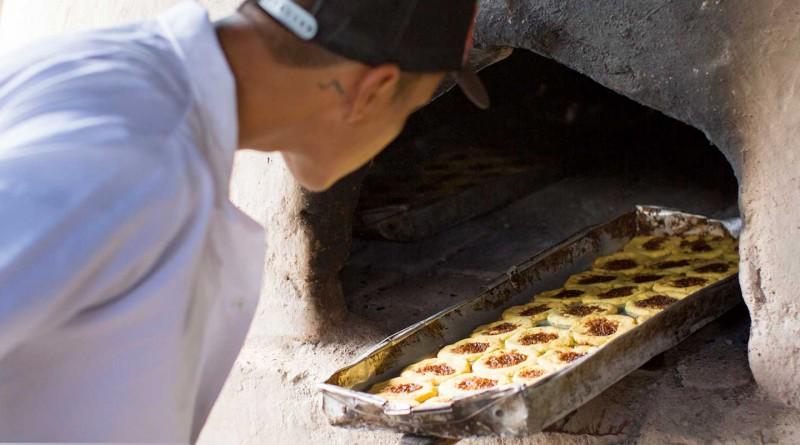 Se calcula que unas cien familias lugareñas se dedican a elaborar rosquillas en el casco urbano y en las comunidades Los Encuentros, La Esperanza, Salmas yy Samascunda. Los hornos situados en los patios hogareños se aprecian desde la carretera.