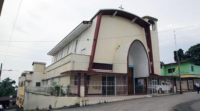 Iglesia San Carlos de Borromeo inspirada en El arca de Noe