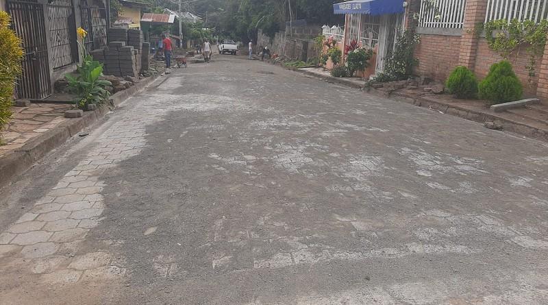 Una calle adoquinada fue mejorada en el barrio Candelaria de San Lorenzo.