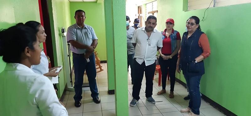 Casa materna Francisca Bejarano está muy bien equipada para la atención que requieren  las mujeres embarazadas de las zonas rurales  que llegan mientras esperan el nacimiento del bebé. Cuenta con un área para el cultivo de frutas, hortalizas y plantas medicinales.