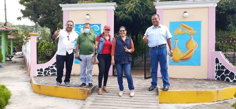 Parque Central Rubén Darío: Es un ambiente arborizado donde están las estatuas del General Sandino, y la patrona Santa Ana