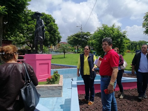 En la Plaza Sandino del parque municipal