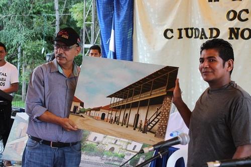 Primer lugar del concurso de pintura Ocotal Bicentenaria, otorgado a Carlos Maldonado