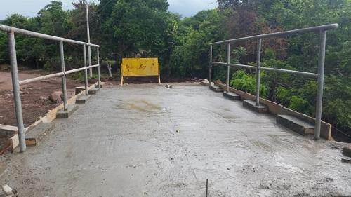 Santa María: Puente en la comunidad Congojas.