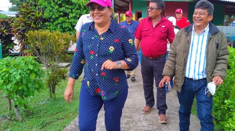 Presidenta del Inifom en Villanueva visita diferentes sectores