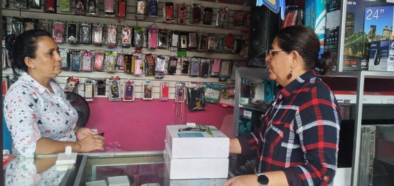 Rafela Gradyscomerciante de electrodomésticos, celulares y accesorios.