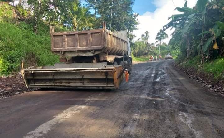 Trabajando en mejoras en el  camino Papayo #1 en Waslala.