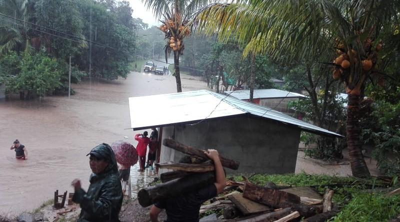 La comunidad San Carlos en  Waspán aún inundada por  el aumento del caudal del Río Coco