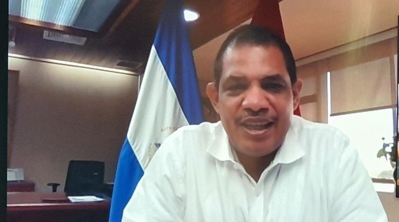 Ministro de Hacienda Iván Acosta