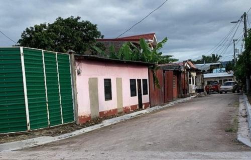 Estelí: Revestimiento de tres calles, encunetado e instalación de alcantarillado sanitario en   el barrio La Comuna.