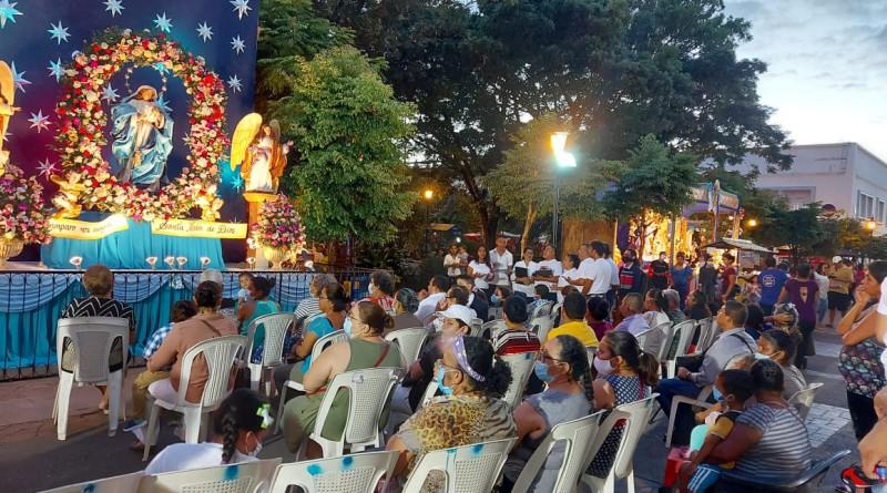 Nicaragua :Un pueblo que trabaja  conserva sus tradiciones y se recrea