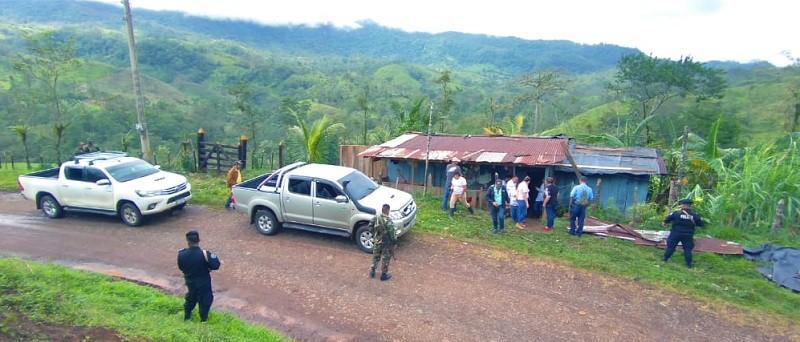 En Río Blanco equipo municipal visita a familias