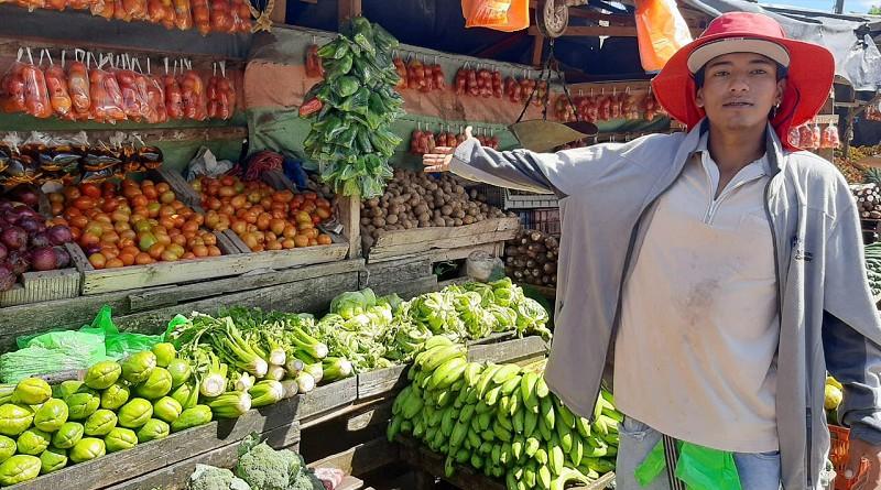 Comerciantes del mercado municipal de Sébaco en festival de descuentos