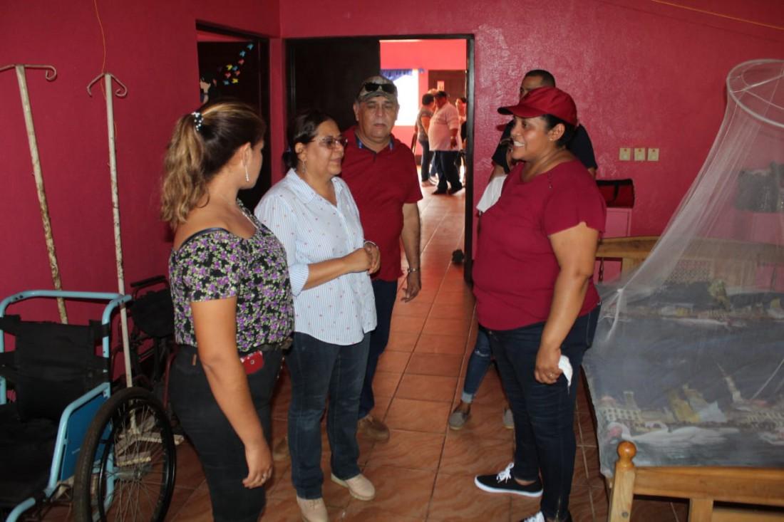 En la casa materna Verónica Lacayo, las embarazadas conversaron ampliamente con la presidenta del Inifom. Le manifestaronlo bien que son atendidas en esa instancia social.