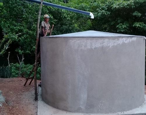 otra de las pilas de captación de agua