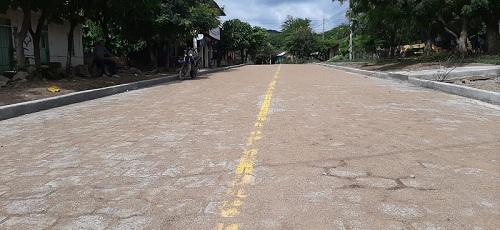Tola:Construcción de calle adoquinada en la comunidad de Nancimí.