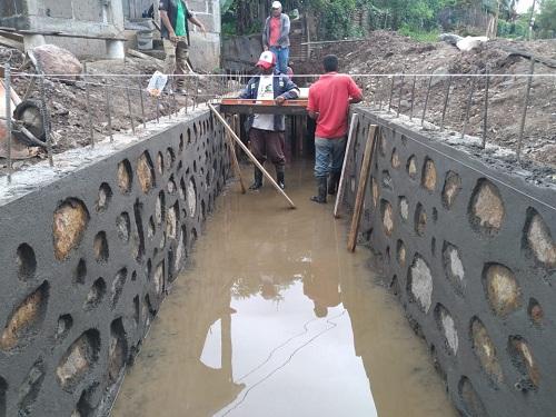 La Libertad: Construcción de tres cajas puentes en el Barrio Miguel Merel.