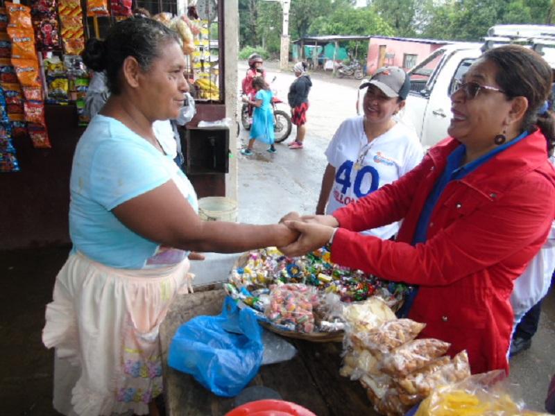 Alba Rosa Pineda, comerciante de productos varios, oriunda de Jalapa y quien tiene22 años de vivir en Tonalá.