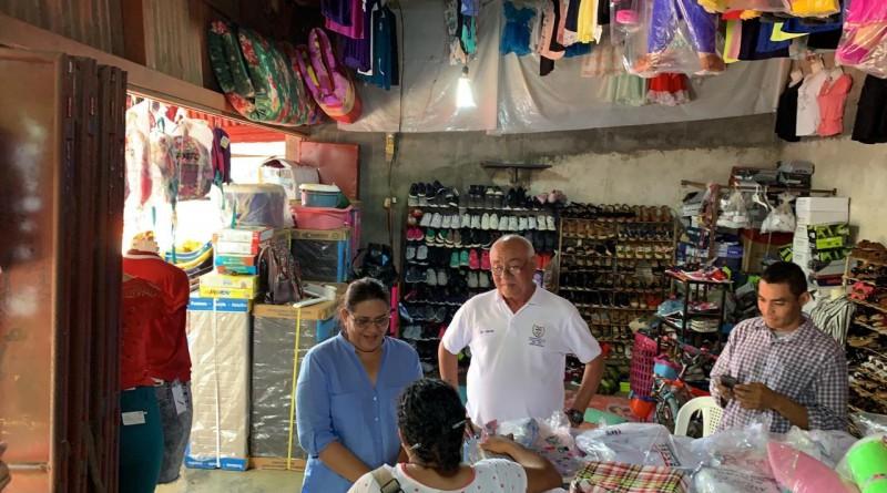 Presidenta del Inifom observó un comercio muy activo y surtido en mercado y feria en Nandaime