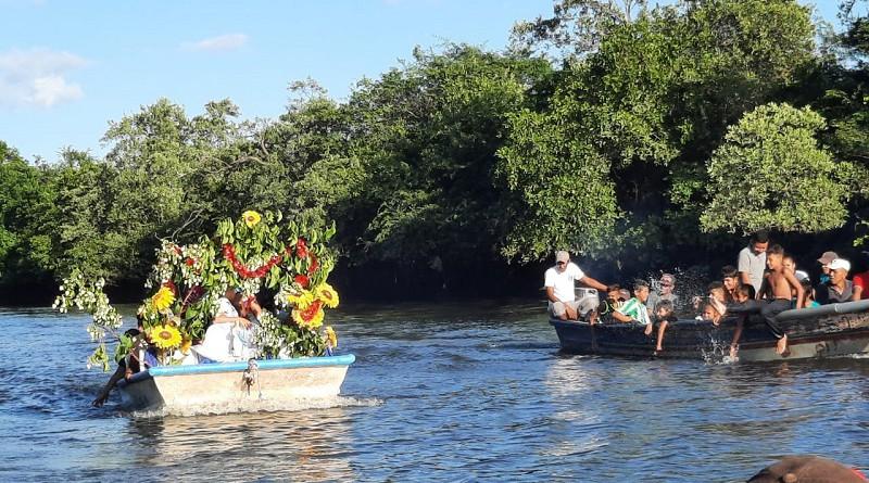 La Virgen navegando en las aguas del Río tamarindo en La Paz Centro