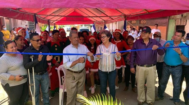 Autoridades locales inauguraron doce  calles mejoradas, en los barrios El Calvario y Guadalupe