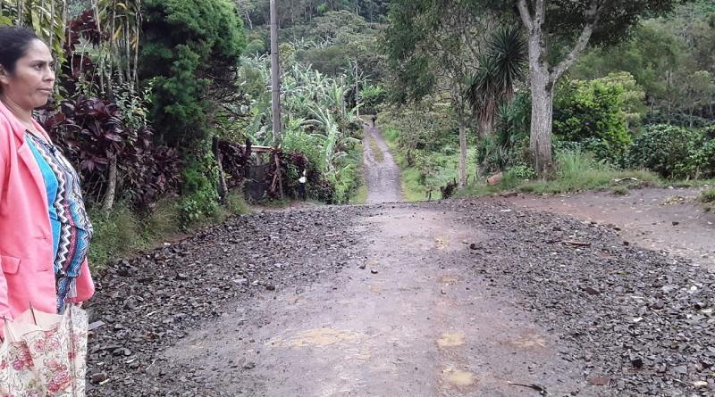 camino restaurado en la comunidad La Escalera