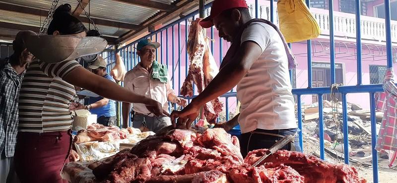 En Bluefields productores de  Río Escondido, San Mariano y Kukra River ofertaran carnes de res, de cerdo  y ahumados,  gallinas, limones, naranja, plátanos, lácteos, y mucho más para preparar las cenas del 24 y 31