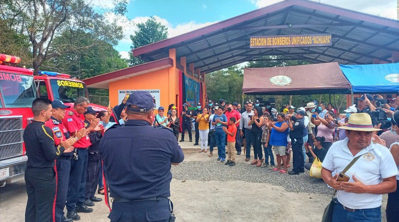 Inauguración de la estación de bomberos unificados en Achuapa